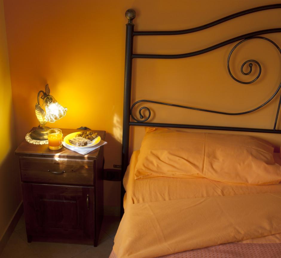 Orange Trees Room - Detail
